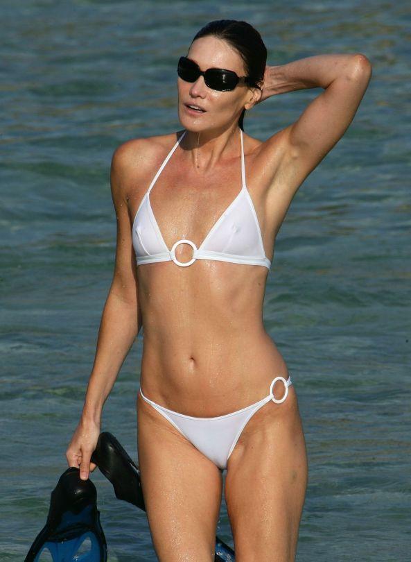 carla-bruni-bikini