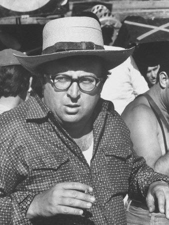 l-27-2780-director_sergio_leone_on_location_in_almeria__spain_filming_once_upon_a_time_in_the_west_-z00dttya