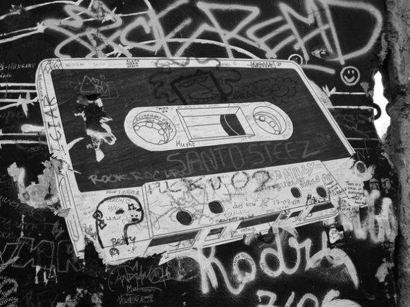 cassette_on_the_wall_by_enitrebla
