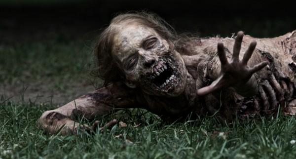 The Walking Dead - Discussion Générale (Pas de Spoilers) Girl-zombie-the-walking-dead-amc-tv-show-image-600x322